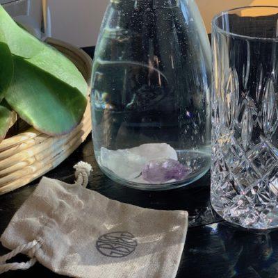 Edelstein-Set zur Aufbereitung von Trinkwasser